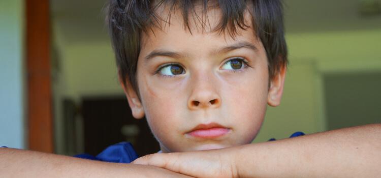 Tristeza sintoma sindrome postvavcional niños vuelta al cole